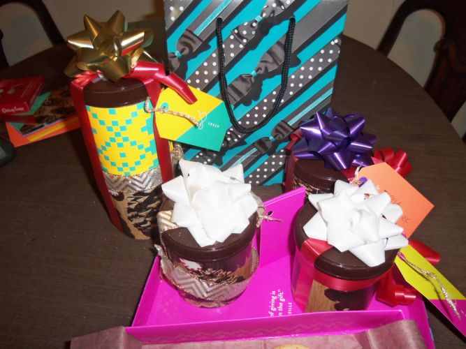 holiday-gifts-using-Sappi-custom-wrapping