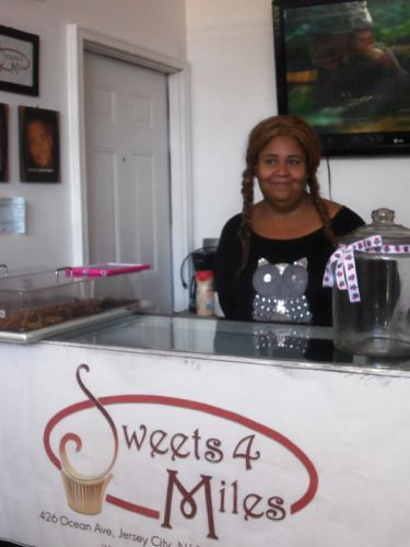 sweets-4-miles-chef-monique-johnson